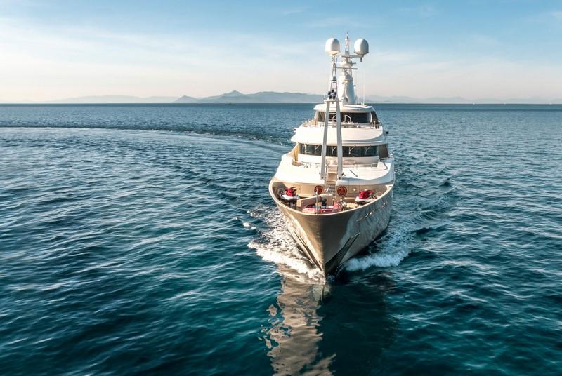 Rent Yacht - P11